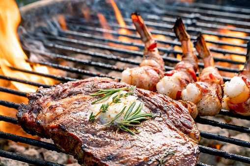 Barbecue Grill「A Delicious Ribeye Steak And Bacon Wrapped Shrimp On A Flaming Hot Grill」:スマホ壁紙(13)