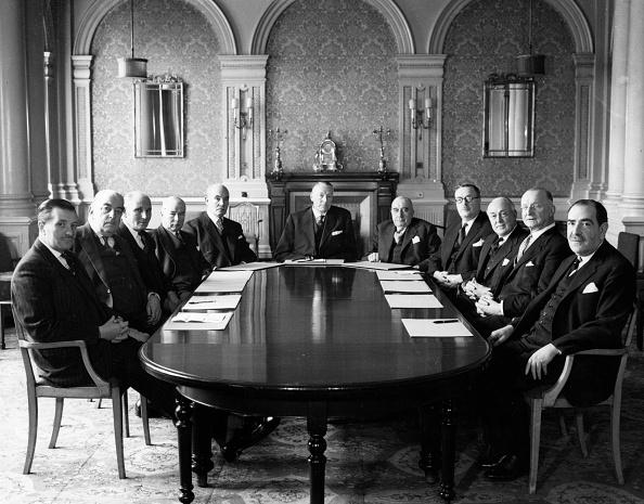 Table「Brokers' Meeting」:写真・画像(12)[壁紙.com]