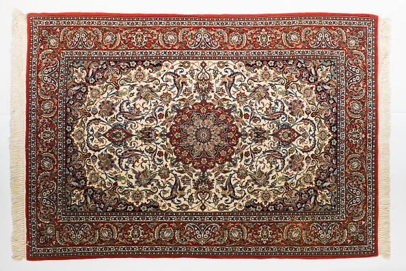 Rug「Oriental Rug Specialist Displays Hand Knotted Carpets」:写真・画像(10)[壁紙.com]