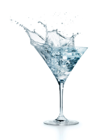 Martini Glass「Ice cube splashing in Martini」:スマホ壁紙(12)