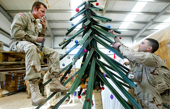 Christmas「Fourth Infantry Division Celebrates Christmas in Samarra」:写真・画像(3)[壁紙.com]
