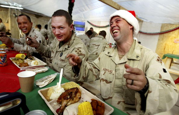 Samarra - Iraq「Fourth Infantry Division Celebrates Christmas in Samarra」:写真・画像(11)[壁紙.com]
