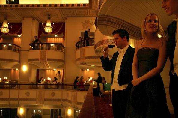 Wealth「Waldorf-Astoria Hosts Viennese Opera Ball」:写真・画像(14)[壁紙.com]
