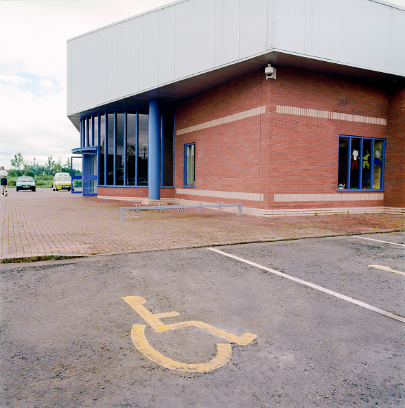 Disability「Disabled priority parking space in car park.」:写真・画像(6)[壁紙.com]