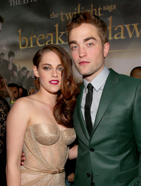 ロバート・パティンソン「Premiere Of Summit Entertainment's 'The Twilight Saga: Breaking Dawn - Part 2' - Red Carpet」:写真・画像(2)[壁紙.com]