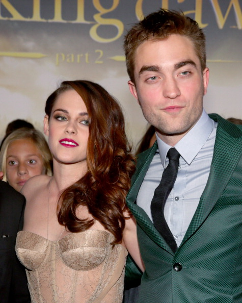 Robert Pattinson「Premiere Of Summit Entertainment's 'The Twilight Saga: Breaking Dawn - Part 2' - Red Carpet」:写真・画像(16)[壁紙.com]