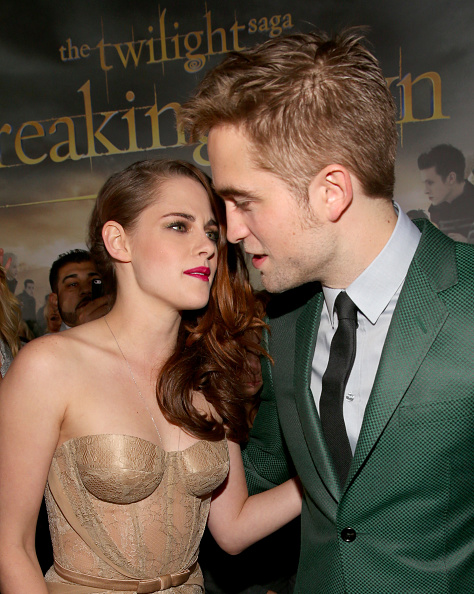 Robert Pattinson「Premiere Of Summit Entertainment's 'The Twilight Saga: Breaking Dawn - Part 2' - Red Carpet」:写真・画像(9)[壁紙.com]