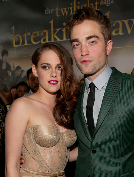 Robert Pattinson「Premiere Of Summit Entertainment's 'The Twilight Saga: Breaking Dawn - Part 2' - Red Carpet」:写真・画像(7)[壁紙.com]