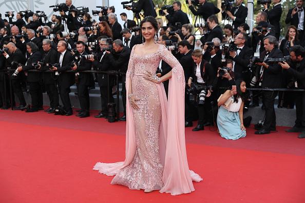 映画界「'The Meyerowitz Stories' Red Carpet Arrivals - The 70th Annual Cannes Film Festival」:写真・画像(10)[壁紙.com]