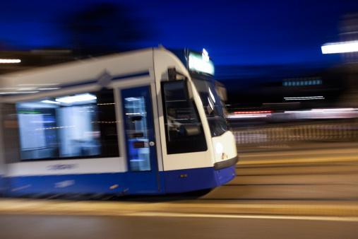 Passenger「Tram at night with panning motion in Amsterdam」:スマホ壁紙(16)