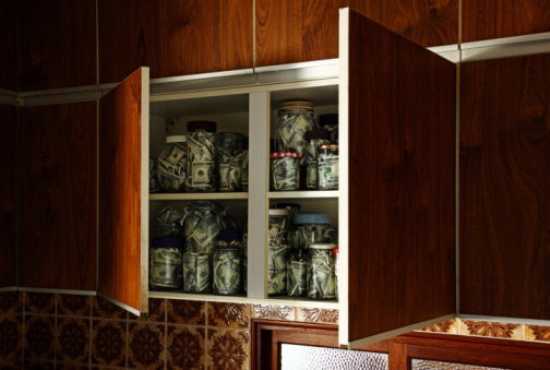 American One Hundred Dollar Bill「jars of 100 dollar bills in open kitchen cupboards」:スマホ壁紙(16)