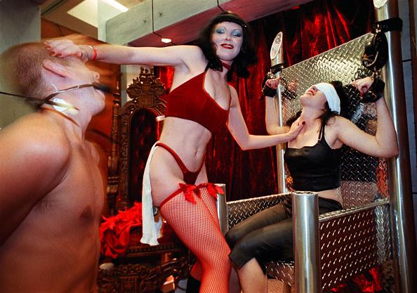Tied Up「Erotica L.A. Convention」:写真・画像(2)[壁紙.com]