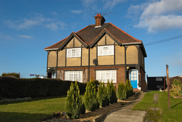 Sunny「1930's period semi-detached house, Witham, UK」:写真・画像(11)[壁紙.com]