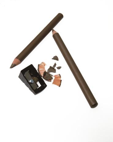 Eyeliner「Brown make-up pencil and sharpener」:スマホ壁紙(16)