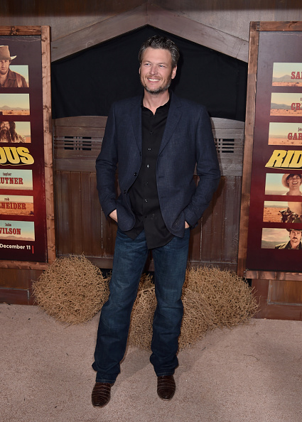 "Blue Blazer「Premiere Of Netflix's ""The Ridiculous 6"" - Arrivals」:写真・画像(11)[壁紙.com]"