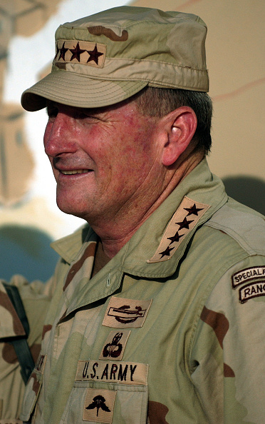Samarra - Iraq「Army Chief of Staff Visits Troops In Iraq」:写真・画像(17)[壁紙.com]