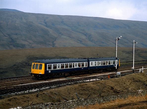United Archives「The Airedale Explorer. Service IZ31 - a special D.M.U. from Whitehaven tor Leeds at Blea Moor on the Settle and Carlisle. 07.08.1984.」:写真・画像(11)[壁紙.com]