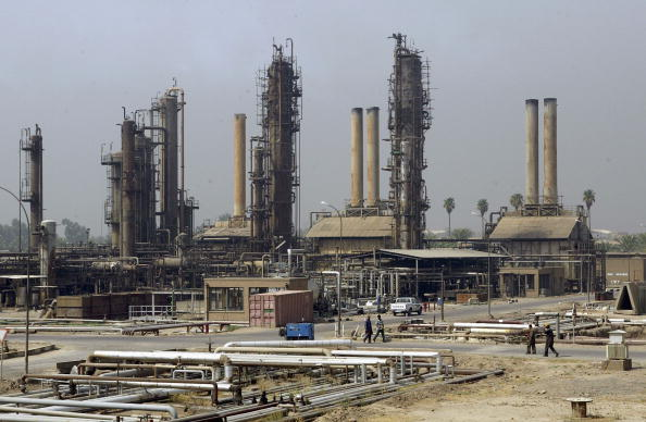 Iraq「Baghdad Oil Refinery Workers Await First Post-War Oil Production Contracts」:写真・画像(12)[壁紙.com]