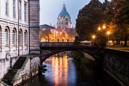 Footbridge「New Town Hall in Hanover Hanover (Hannover), Lower Saxony, Germany」:スマホ壁紙(5)