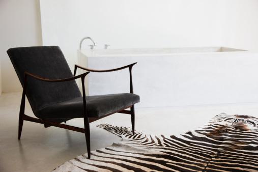 Zebra「Bathroom」:スマホ壁紙(1)