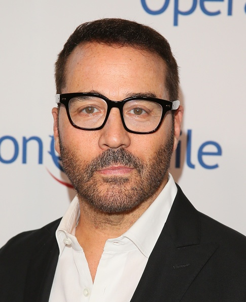 Jeremy Piven「Operation Smile's Hollywood Fight Night Hosted By Brooke Burke And Manny Pacquiao」:写真・画像(6)[壁紙.com]