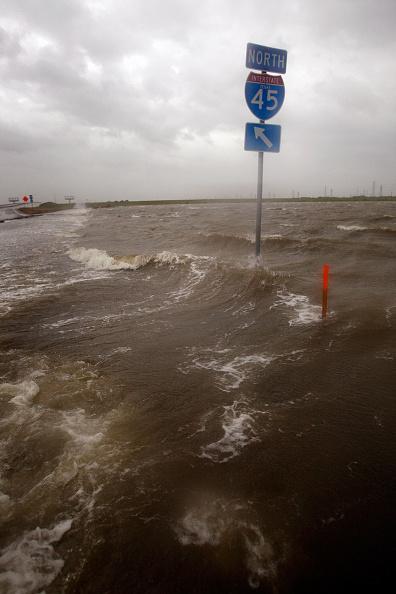 Galveston - Texas「Texas Gulf Coast Prepares For Hurricane Ike」:写真・画像(17)[壁紙.com]