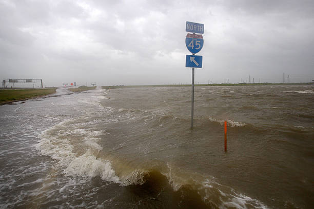 Texas Gulf Coast Prepares For Hurricane Ike:ニュース(壁紙.com)