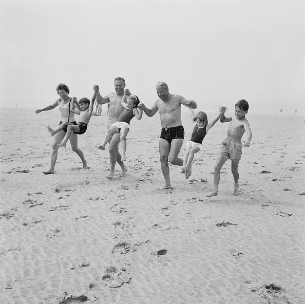 水着「Edward Heath On Holiday」:写真・画像(8)[壁紙.com]