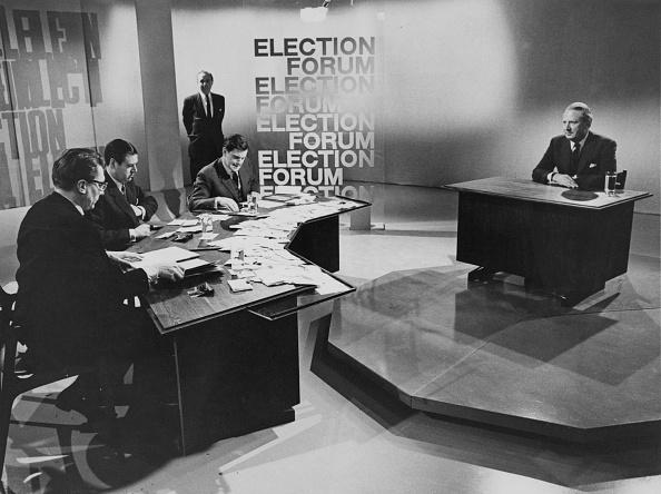 問う「Election Forum」:写真・画像(2)[壁紙.com]