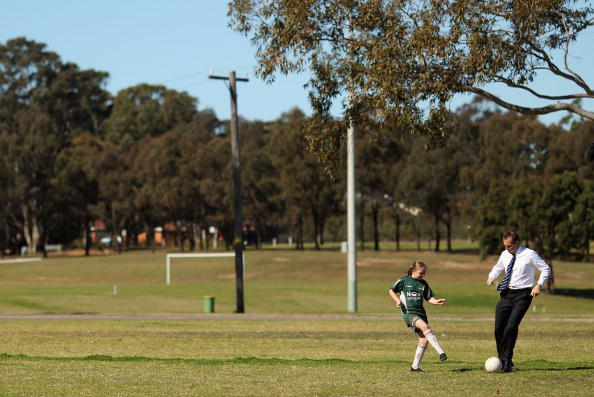 Weekend Activities「Tony Abbott Campaigns In Sydney」:写真・画像(17)[壁紙.com]