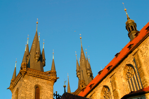 St Vitus's Cathedral「The roof of the Tyn Church Old Town Prague」:スマホ壁紙(9)