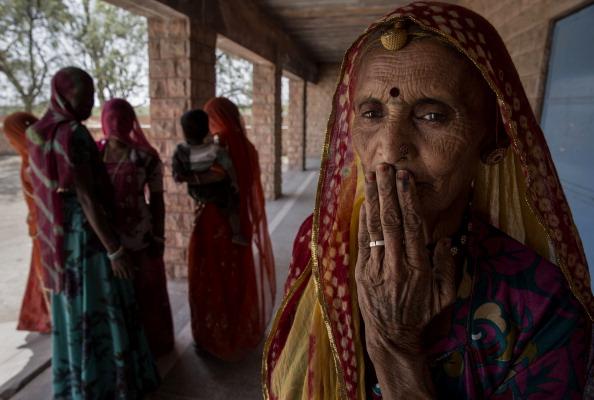 Rajasthan「Indians Cast Votes On Biggest Polling Day」:写真・画像(8)[壁紙.com]