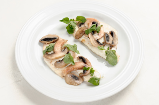 Sea Bream「Fillets of sea bream with mushroom and mint crust」:スマホ壁紙(4)