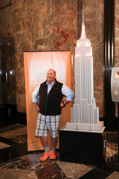 Empire State Building「Celebrities And Food Bank For New York City Lights The Empire State Building」:写真・画像(3)[壁紙.com]