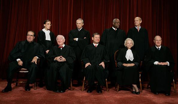 Justice - Concept「Supreme Court Justices Pose For Annual Portrait」:写真・画像(1)[壁紙.com]
