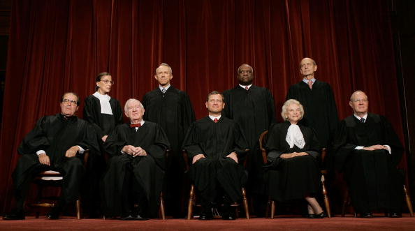 Justice - Concept「Supreme Court Justices Pose For Annual Portrait」:写真・画像(12)[壁紙.com]