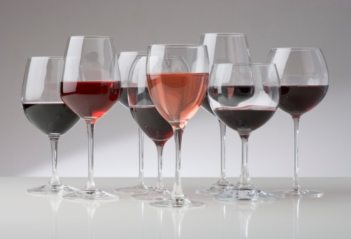 Choosing「Many glasses of different red wines」:スマホ壁紙(7)