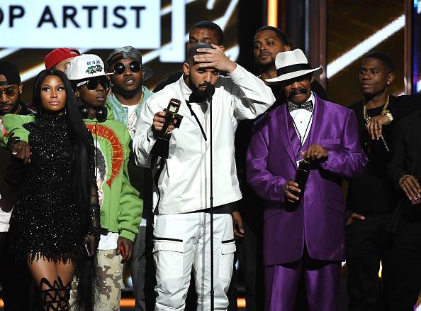 Drake - Entertainer「2017 Billboard Music Awards - Show」:写真・画像(3)[壁紙.com]