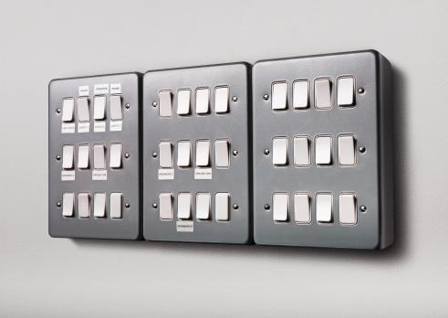 Light Switch「A gang of light switches」:スマホ壁紙(19)