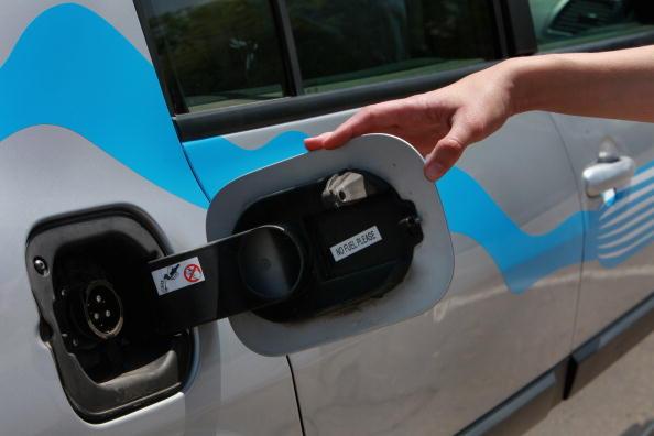 Vehicle Door「Renault's Electic Car Debuts In Tel Aviv」:写真・画像(5)[壁紙.com]