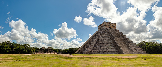 Pyramid Shape「Chichén itzá archaeological site, Yucatan - Mexico」:スマホ壁紙(15)