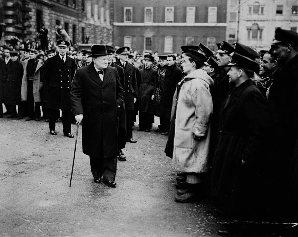 Looking「Churchill Inspects」:写真・画像(10)[壁紙.com]