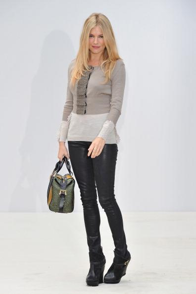 Sienna Miller「Burberry Spring Summer 2012 Womenswear Show」:写真・画像(11)[壁紙.com]