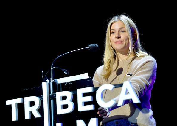 Sienna Miller「Time's Up - 2018 Tribeca Film Festival」:写真・画像(8)[壁紙.com]