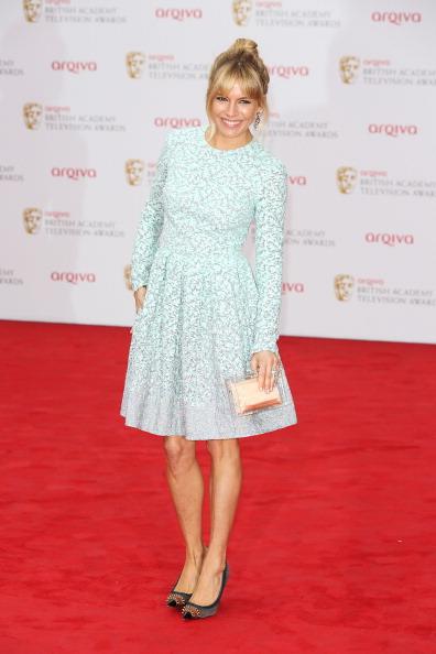 Sienna Miller「Arqiva British Academy Television Awards 2013 - Red Carpet Arrivals」:写真・画像(12)[壁紙.com]