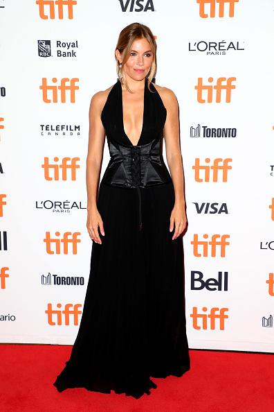 "Sienna Miller「2018 Toronto International Film Festival - ""American Woman"" Premiere」:写真・画像(9)[壁紙.com]"