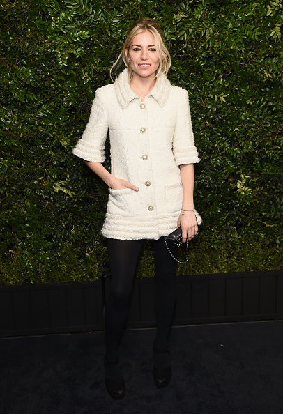 Sienna Miller「Charles Finch And Chanel Pre-Oscar Awards Dinner At Madeo In Beverly Hills」:写真・画像(6)[壁紙.com]