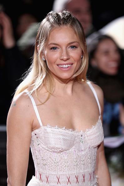 Sienna Miller「The Lost City of Z - UK Premiere - Arrivals」:写真・画像(1)[壁紙.com]