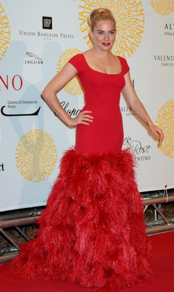 Sienna Miller「Valentino : 45th Anniversary Celebration - Gala Arrivals」:写真・画像(13)[壁紙.com]
