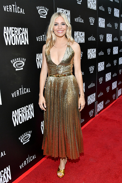 Glittering「Premiere Of Roadside Attraction's 'American Woman' - Red Carpet」:写真・画像(4)[壁紙.com]